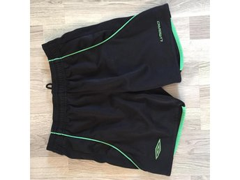Umbro shorts funktionsshorts strl 152 knappt använda. - Hyllinge - Umbro shorts funktionsshorts strl 152 knappt använda. - Hyllinge
