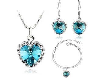 Heart Cut Light Blue Cubic Zircon Halo Pendant Necklace & Earring S1631