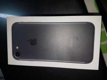 Låda Iphone 7 black 128gb