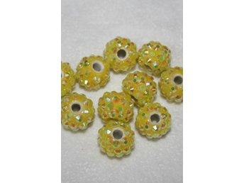 Glitter pärlor 10mm gula - 2 st - Bålsta - Glitter pärlor 10mm gula - 2 st - Bålsta