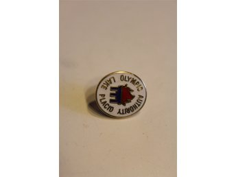 PINS OLYMPIADEN LAKE PLACID  OLYMPIC AUTHORITY  1980