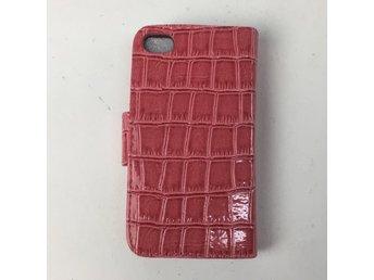 Javascript är inaktiverat. - Stockholm - Iphoneskal, Modell: iPhone 4, Färg: Röd, Material: SkinnimitationVaran är ny i originalförpackning / med lapp kvar. Skick: Varan säljs i befintligt skick och endast det som syns på bilderna ingår om ej annat anges. Vi värderar samtliga - Stockholm