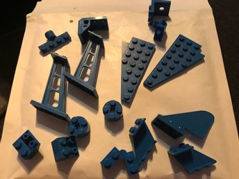 blå blåa bitar till flygplan rymd farkost bil mm lego 80-tals - Malmö - blå blåa bitar till flygplan rymd farkost bil mm lego 80-tals - Malmö