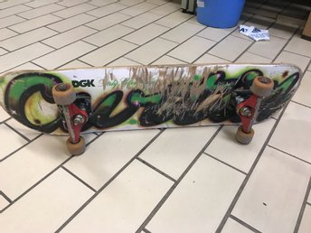 DGK skateboard med royal truckar