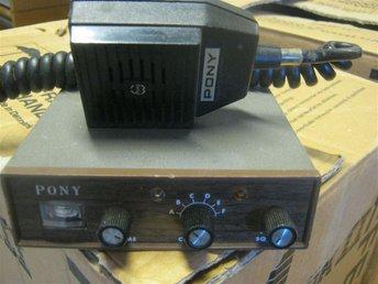 PONY CB-74 KOMRADIO+MIC SMIDIG OVANLIG MODELL! - Boxholm - PONY CB-74 KOMRADIO+MIC SMIDIG OVANLIG MODELL! - Boxholm