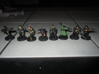 Warhammer 40k. Imperial mix. 8 figurer.