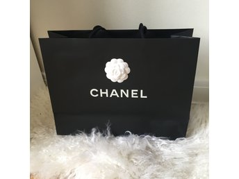 Chanel papperspåse/shoppingbag