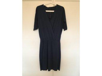 Blå klänning DAGMAR, storlek S - Gustavsberg - Blå klänning DAGMAR, storlek S - Gustavsberg