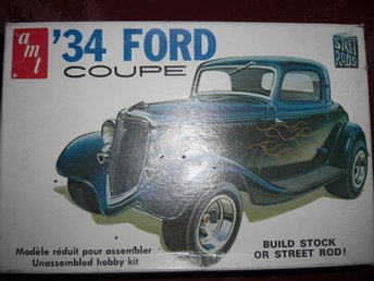 AMT 1934 Ford 3-W Coupe, skala 1:25