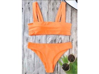 Javascript är inaktiverat. - Linköping - Jättefin neon-orange bikini från nätsajten Zaful. Överdelen är vadderad Den är helt oanvänd och fås i originalförpackningen.Strl: SErbjuder även frakt men det står köparen för! - Linköping
