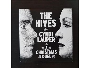 The Hives and Cyndi Lauper - Christmas duel vinyl 7