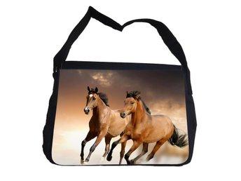 Hästar väska med axelrem - Reporter Bag - Markaryd - Hästar väska med axelrem - Reporter Bag - Markaryd