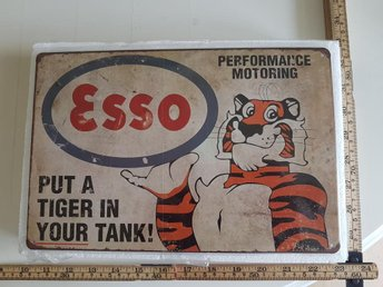 "ESSO   ""Put a tiger in your tank"""