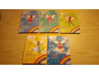 Javascript är inaktiverat. - Götene - Bokpaket innehåller följande böcker: I serien Dansälvorna nr 4 Stina - Stäppälvan, nr 5 Johanna - Jazzälvan, nr 6 Sanna - Salsaälvan. I serien Partyälvorna nr1 Tilda - Tårtälvan, nr 7 Petra Presentälvan. Böckerna är i fint begagnat - Götene