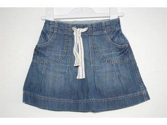 Söt jeanskjol med fickor - H&M , storlek: 92 - Eskilstuna - Söt jeanskjol med fickor - H&M , storlek: 92 - Eskilstuna