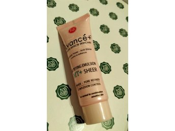 Figs & Rouge Avancé Mattifying Emulsion MT+ Sheer Primer Glossybox