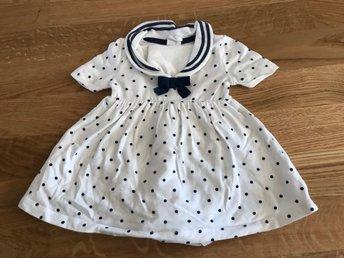 731a671e2a4a Blå/vit prickig sjömansklänning klänning till b.. (347439870) ᐈ Köp ...