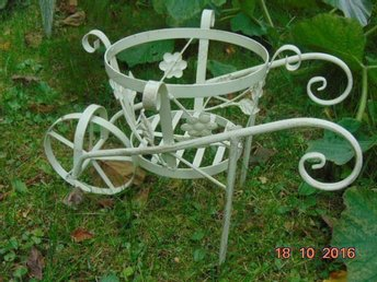 metal flower flowerbed