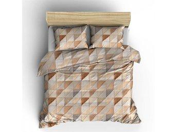 Javascript är inaktiverat. - Harbo - Med en mosaik design i taupe nyanser och triangulära former så får sovrummet en liten extra touch och höjer lyxnivån ett snäpp.Setet är gjord i mjuk bomull med en tät konstruktion vilket påminner om linnetyg och som har bra uthållighet,  - Harbo