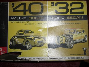 AMT Double Kit 1940 Willy's/1932 Ford Tudor, skala 1:25