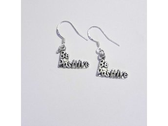 Be Positive örhängen / earrings