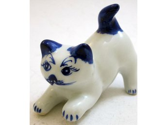 Figurin i porslin katt made in kina