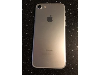 128 GB silver IPhone 7