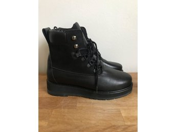 Filippa K Hiker boot