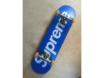 Supreme Box Logo Skateboard + Independent truckar + Girls 52 hjul