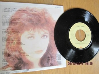 Kate Bush single  Dreaming (Near Mint)