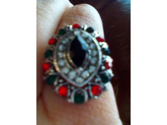 Ladies Fashion Retro Jewelry Inlaid Crystal Silver Plated Ring Size 18