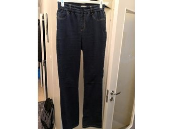 Snygga JEGGINGS, JEANSJEGGINGS, TREGGINGS i dark denim, 42