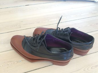 PRADA oxford skor