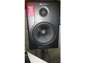 "Aktiva studiohögtalare ""M-Audio Studiophile BX8a Deluxe"" inklusive stativ säljes - Bollebygd - Aktiva studiohögtalare ""M-Audio Studiophile BX8a Deluxe"" inklusive stativ säljes - Bollebygd"