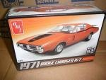 AMT 1/25 1971 Dodge Charger R/T