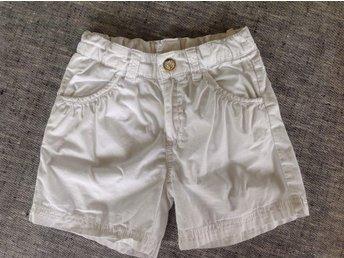 Vita shorts stl 110 - älta - Vita shorts stl 110 - älta