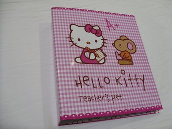 Hello Kitty & Sanrio A4 Pärm 2-hål modell katt cats