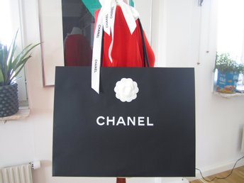 Chanel Shopping bag i papper