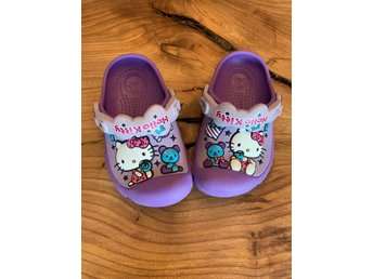 Crocs hello Kitty stl6 7 (23 24)