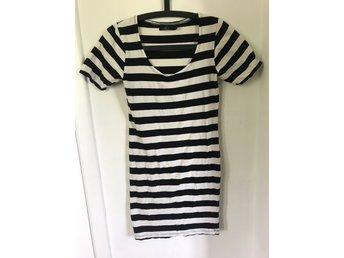 Klänninglång t shirt (408621905) ᐈ Köp på Tradera