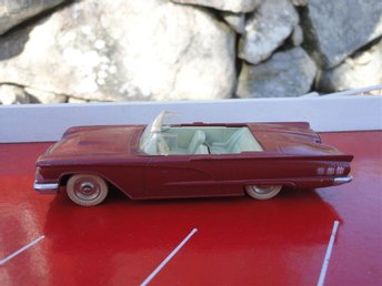 "Dinky Toys No.555 Ford Thunderbird Cabriolet 1961-1966 Made In France ""Original"""