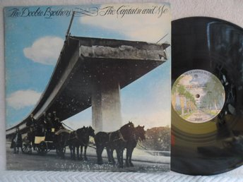 DOOBIE BROTHERS - THE CAPTAIN AND ME - BS 2694