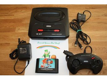 Sega Mega Drive 2 konsol med Sonic the Hedgehog 2