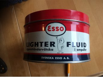 Plåtburk Esso Lighter fluid