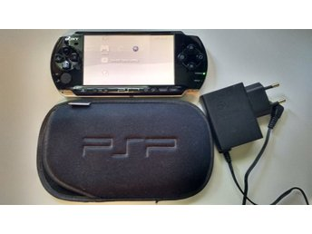 PlayStation Portable PSP SLIM + 1 spel, laddare, 512MB minne
