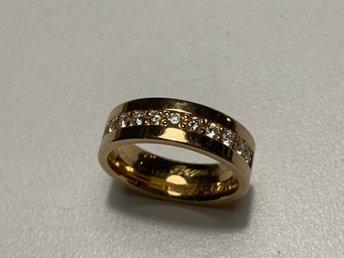 Schalins guldring med diamanter (338674089) ᐈ Köp på Tradera bdc834a4e8d67