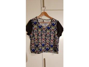 Aztec mönstrad blus från Stylepit Size L - Skärholmen - Aztec mönstrad blus från Stylepit Size L - Skärholmen