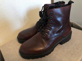 Tuffa rejäla Kängor skor i läder fr VAGABOND Nyskick!