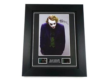 Dark Knight Heath Ledger Signed + Original Dark Knight Film Cell Tavla