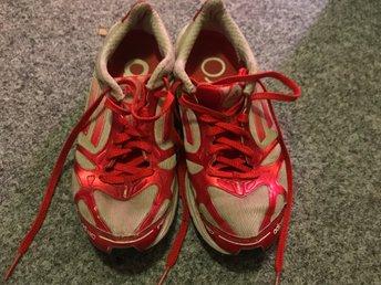 Adidas löparskor storlek 38